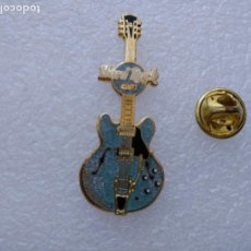 Pin's de collection: PIN HARD ROCK CAFE GUITARRA AZUL. Lote 175650787