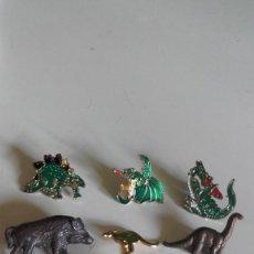 Pins de colección: PIN LOTE 6 PINS / Y 1 ALFILER / DE DINOSAURIOS Y ANIMALES. Lote 175768523