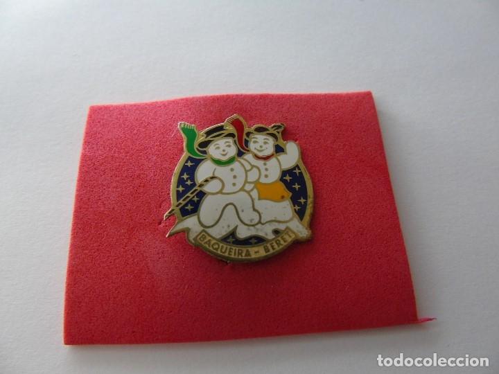 PIN TIPO ALFILER DE BAQUEIRA BERET (Coleccionismo - Pins)