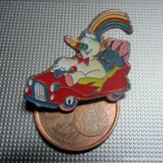 Pins de colección: PIN EXPO 92 CURRO COCHE EXPOSICION UNIVERSAL SEVILLA 1992. Lote 175895107