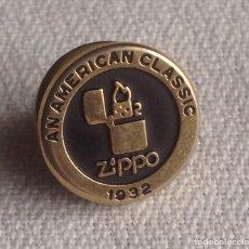 Pins de colección: PIN ZIPPO AMERICAN CLASSIC 1932, MADE IN USA. Lote 183879163