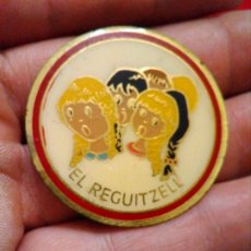 Pins de colección: RARA INSIGNIA CORAL EL REGUITZELL. Lote 176221205