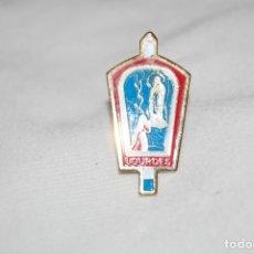 Pins de colección: PIN RELIGIOSO. NUESTRA SEÑORA DE LOURDES. VIRGEN MARÍA. FRANCIA.. Lote 176520394