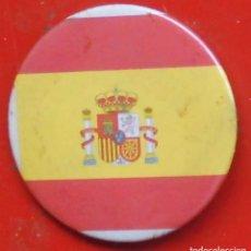 Pins de colección: BANDERA DE ESPAÑA. CHAPA NUEVA DE 57 MM. Lote 177084129