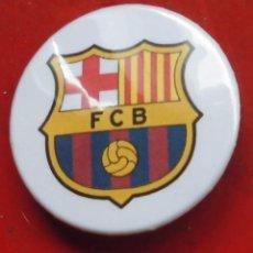 Pins de colección: ESCUDO DEL BARCELONA. CHAPA NUEVA DE 37 MM. Lote 177084177