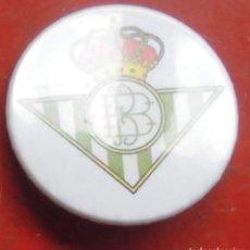 Pins de colección: ESCUDO DEL BETIS. CHAPA NUEVA DE 37 MM. Lote 177084187
