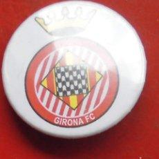 Pins de colección: ESCUDO DEL GIRONA. CHAPA NUEVA DE 37 MM. Lote 177084240