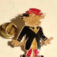 Pins de colección: PIN CARPANTA BRUGUERA ESCOBAR. Lote 177682004