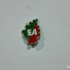 Pins de colección: PINS EUSKALERIA. MEDIDA 11 X 19 MM. Lote 177741544