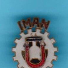 Pins de colección: INSIGNIA IMÁN. IMPORTACIONES Y MANUFACTURAS INDUSTRIALES S.A. METALURGIA, TERRASSA.. Lote 177882013