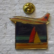 Pins de colección: PIN DE AVIONES AEROLÍNEAS. HAPAG LLOYD AVIÓN. Lote 179204566