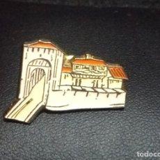 Pins de colección: PIN *ENTRADA A LA PLAZA - ARANDA DE DUERO* - BUEN ESTADO.. Lote 180148816