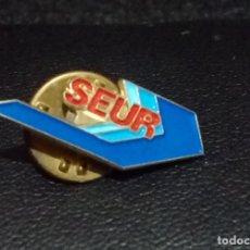 Pins de colección: PIN *SEUR* - BUEN ESTADO.. Lote 180148967