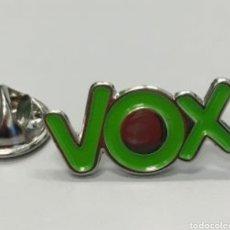 Pins de colección: PIN VOX. Lote 180291177