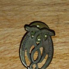 Pins de colección: PIN AMBAIXADORS ALMOGAVERS. Lote 180335311