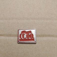 Pins de colección: PIN CC.OO. COMISIONES OBRERAS. Lote 195043526