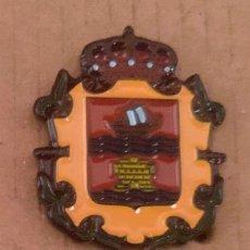Pins de colección: PIN ESCUDO HERÁLDICO LAUJAR DE ANDARAX - ALMERÍA. Lote 183096575