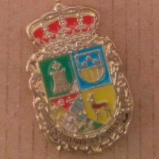 Pins de colección: PIN ESCUDO HERÁLDICO ALCAUDETE DE LA JARA -TOLEDO. Lote 183096656