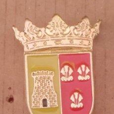 Pins de colección: PIN ESCUDO HERÁLDICO AÍN -CASTELLÓN. Lote 183096675