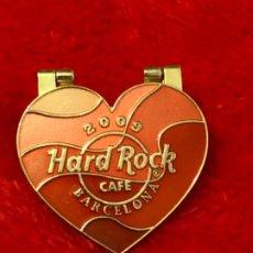 Pins de colección: HARD ROCK CAFE BARCELONA GRAN LOTE PINS EDICION LIMITADA + CINTA TODO ORIGINAL. Lote 183445453