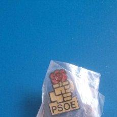 Pins de colección: PIN PSOE. Lote 185904993