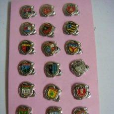 Pins de colección: PINS COLECCION DE 20 PINS DE BOMBEROS. Lote 187521850
