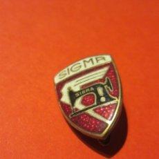 Pins de colección: PIN AGUJA . MAQUINA DE COSER SIGMA.. Lote 187538852