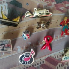 Pins de colección: LOTE DE PINS LAZO, CRUZ ROJA, MIMOSIN Y OTROS. Lote 187577238
