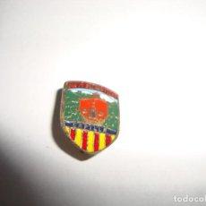 Pins de colección: ANTIGUA INSIGNIA PIN AGUJA STA. FE DE MONTSENY CAPILLA . Lote 188716418