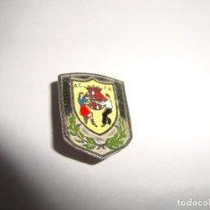 Pins de colección: ANTIGUA INSIGNIA PIN AGUJA AC FB. Lote 188762987