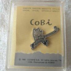 Pins de colección: P 48 PIN COBI MASCOTA OFICIAL - COOB'92 S.A. - PLATEADO - GOLF. Lote 189427308
