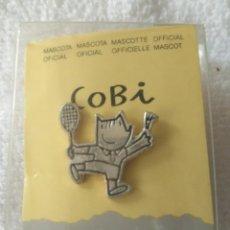 Pins de colección: P 49 PIN COBI MASCOTA OFICIAL - COOB'92 S.A. - PLATEADO - TENIS. Lote 189427935