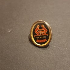 Pins de colección: PINS GEMENIS HORÓSCOPO. Lote 189834060