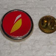 Pin's de collection: PIN DE AVIONES AEROLÍNEAS. NUEVO LOGO AEROLÍNEAS IBERIA. Lote 190469133