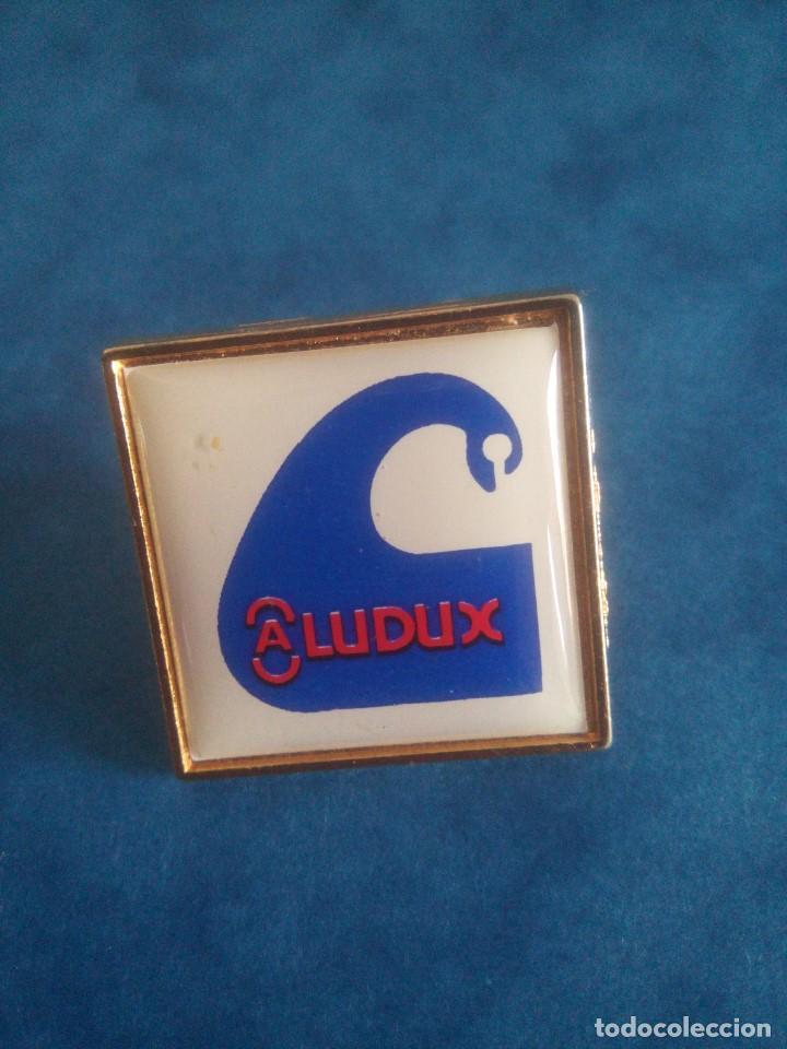 PIN PUBLICIDAD - ALUDUX (Coleccionismo - Pins)