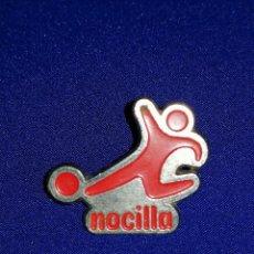 Pins de colección: PIN NOCILLA FUTBOL. Lote 191230408