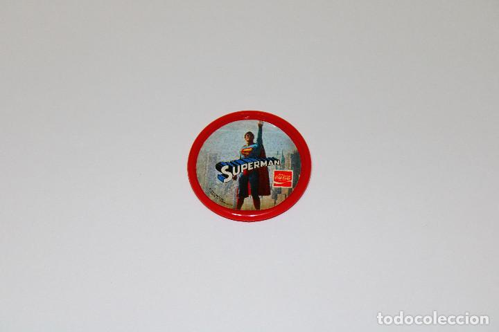 Pins de colección: PIN CHAPA PLÁSTICO - SUPERMAN - COCA COLA - Ref. 0013 - Mod. Volando - 1979 - Ø 52 mm - Foto 2 - 191628918