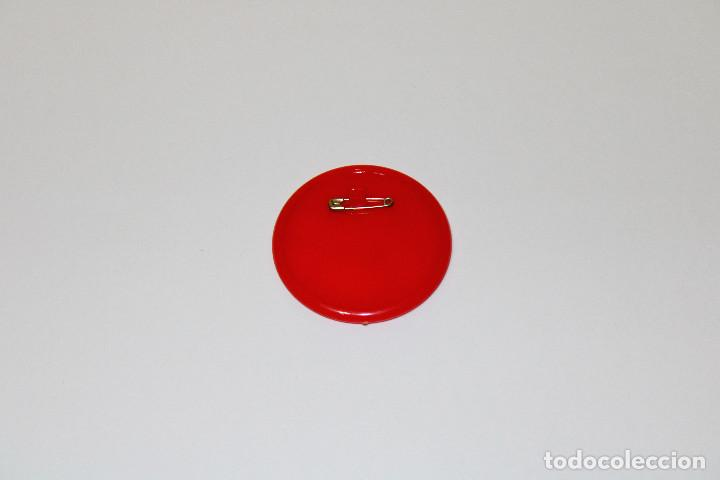 Pins de colección: PIN CHAPA PLÁSTICO - SUPERMAN - COCA COLA - Mod. Con Lois Lane - 1979 - Ø 52 mm - Foto 4 - 191629011