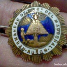 Pins de colección: AUNON VIRGEN MADROÑAL NTRA SRA INSIGNIA ESMALTE 3 CMS DIAMETRO LEER DETENIDAMENTE . Lote 192195215