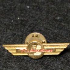 Pin's de collection: PIN IBERIA 70 AÑOS VOLANDO. Lote 193233170