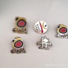 Pins de colección: LOTE 5 PINES ESPAÑA. COBI ORIGINAL SELLADO. REGALO 1 PIN DE LOS BOSTON CELTIC. Lote 194006850