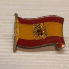 Pins de colección: BANDERA DE ESPAÑA, FRANCO, GRAN INSIGNIA, 2,70X2 CM. Lote 194197827
