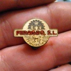 Pins de colección: INSIGNIA MOTOR , AGRICULTURA FERAGRO S.L (MURCIA). Lote 194237332