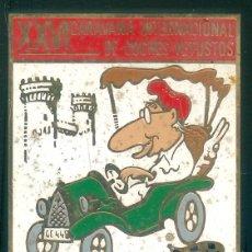 Pins de colección: NUMULITE INSIGNIA ALFILER XXVI CARAVANA INTERNACIONAL DE COCHES VETUSTOS GIRONA COSTA BRAVA 89 CUGAT. Lote 194239256