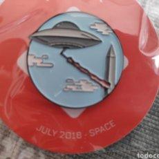 Pins de colección: PIN OVNI UFO EDICIÓN EXCLUSIVO WOOTBOX NUEVO. Lote 194244505