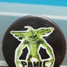 Pins de colección: PIN CHAPA PANIC GREMLINS . Lote 194255791