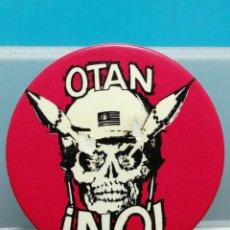 Pins de colección: PIN CHAPA OTAN NO POLITICA. Lote 194255800