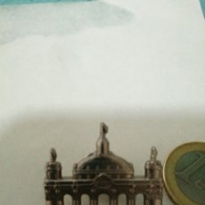 Pins de colección: PIN, BONITO PINS FERIA DE ABRIL 2019.FERIA DE SEVILLA. Lote 194276786