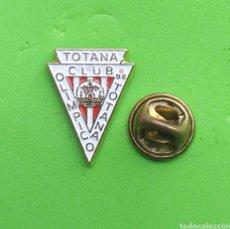 Pins de colección: PIN ESCUDO FUTBOL - MURCIA - CLUB OLIMPICO DE TOTANA. Lote 194316481