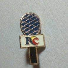 Pins de colección: CURIOSO PIN RADIO, TELEVISIÓN. RC. Lote 194542598